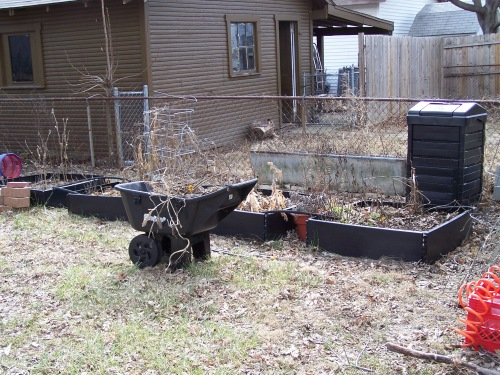 prepping-for-spring-in-the-garden-005